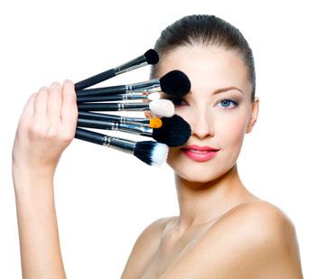 brochas-maquillaje-chica-estetica21-blog